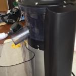 低速絞りジューサーのビタミンサーバーで夏ミカンジュース作りの巻